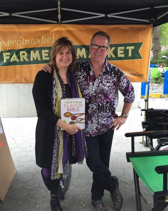 KarenAndAndrewGreenmarketBookSigningOct182014